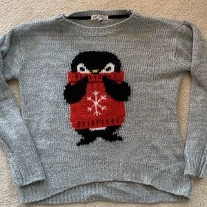 Sweaters - Adorable penguin snowflake sweater